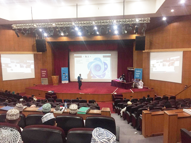 IT Students at Oman Netacad Student Day 2019